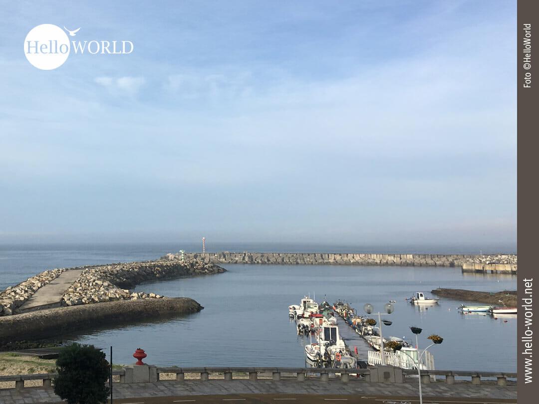 Ausblick am Morgen auf den Hafen in Ancora