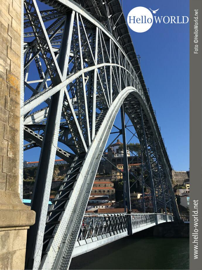 Die Ponte Dom Luís I ...