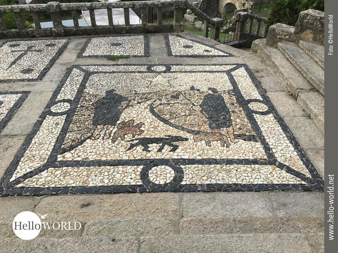 Mosaik vor der Parroquia