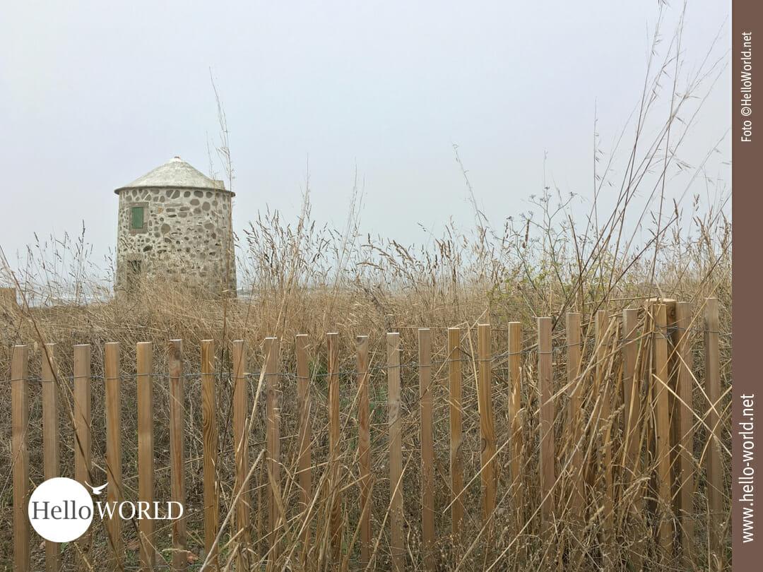 Und immer wieder alte Steinmühlen im Blick