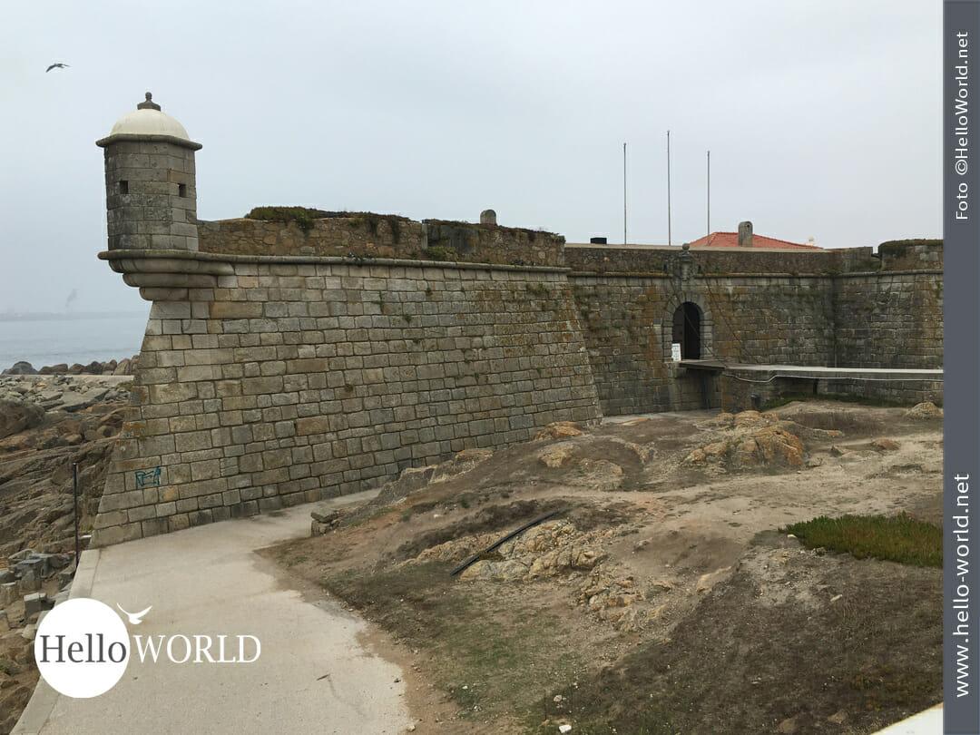 Das Forte de São Francisco Xavier - auch Castelo do Queijo - genannt, kann man zwischen den Mündungen des Rio Douro und Rio Leça besichtigen