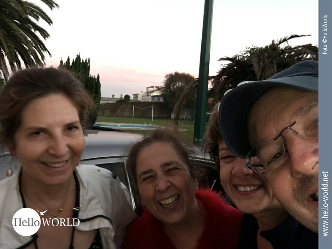 """Abschiedsbild mit unseren ganz persönlichen """"Engeln"""" von der Camino Portugues Etappe von Angeiras nach Fao."""