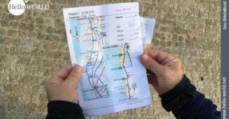 Dieses Bild zeigt die Karte Camino Portugues Etappe von Angeiras nach Fao in den Händen von Andrea
