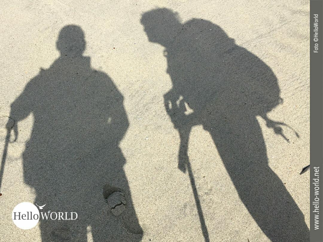 Schattenspiel im Sand