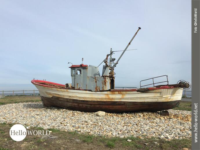 Gestrandet: Ein Schiffswrack auf dem Jakobsweg