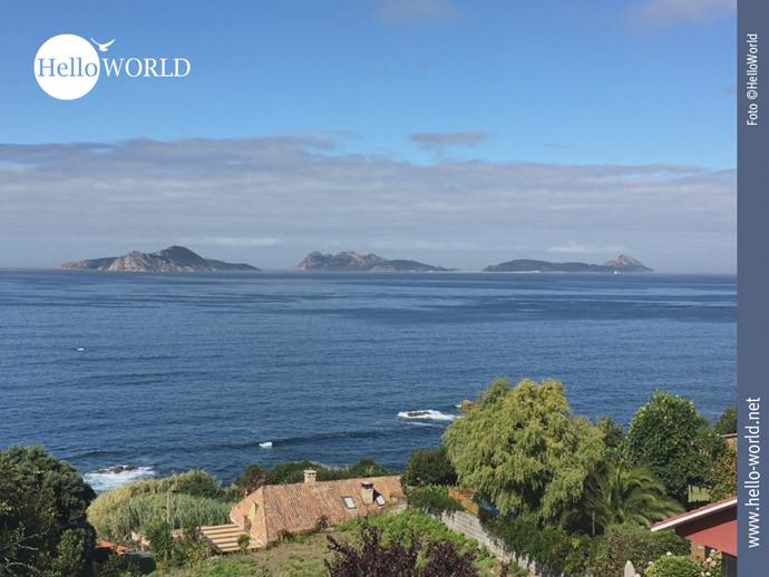 Jakobsweg-Panorama: die Illas Estelas am Horizont