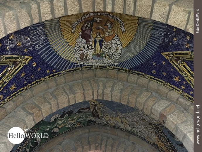 Mosaikbilder in der Kirche der Parraquia de San Xoan