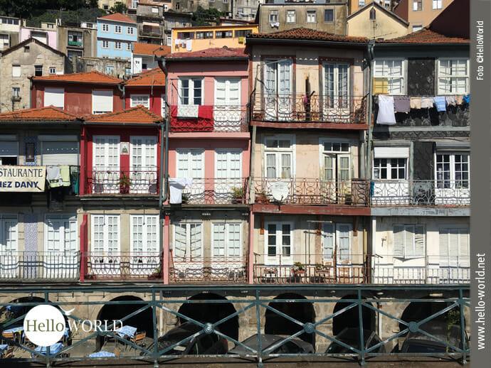 Einfach charmant: die bunten Häuser in Porto