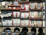 Bunte Häuser: ein Markenzeichen von Porto