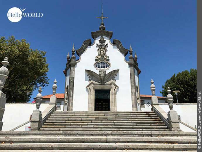 Einfach reizend: kleine Kirche in Viana do Castelo