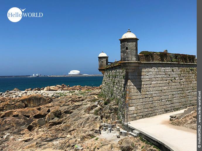 Aus dem 17. Jahrhundert: das Bauwerk Forte de Sao Francisco Xavier auf dem Camino Portugues Küstenweg