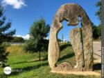 Jakobusskulptur auf dem Camino Portugues Rundwanderweg