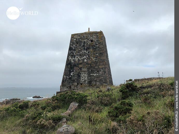 Ausgedient: der alte Leuchtturm bei O Pindo