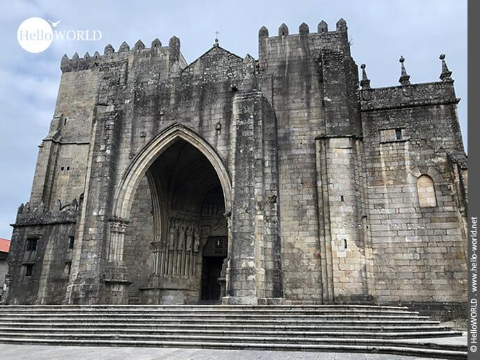 Sehenswert: die Kathedrale in Tui
