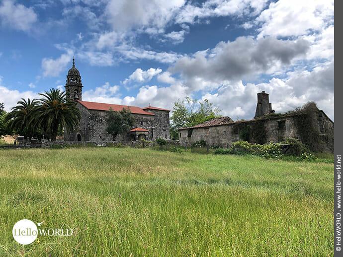 Idyllische Lage: altes Kirchengebäude