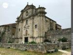 """Sehenswert: das alte """"Mosteiro de Santa Maria"""" in Oia"""