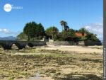 Bewohnte Insel in der Ria de Muros e Noia