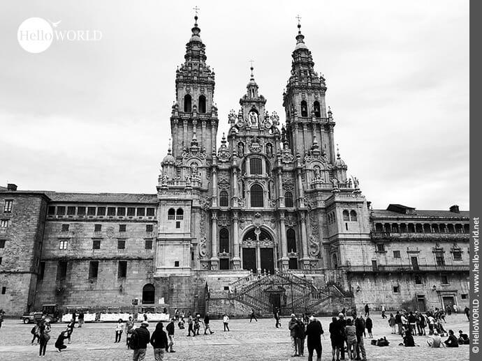 Beeindruckendes Mauerwerk: die Kathedrale von Santiago de Compostela