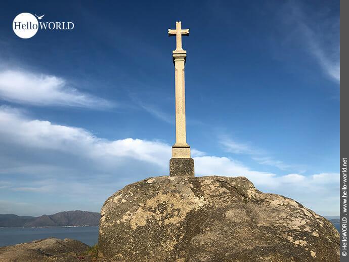Das bekannteste Kreuz des Camino Portugues Rundwanderwegs