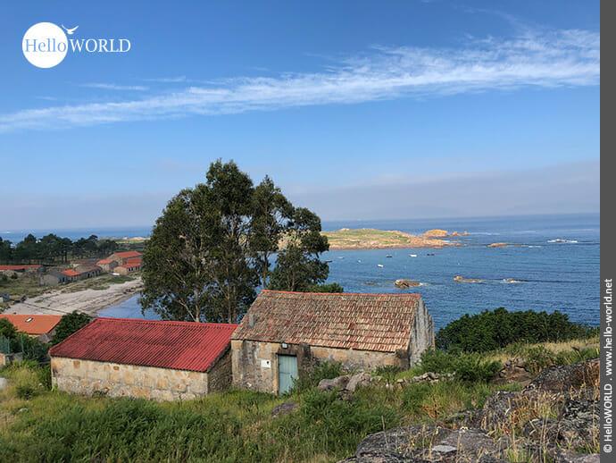 Küstenblick entlang des Camino Portugues Rundwanderwegs bei O Pindo