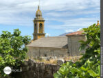 Wunderschöne Lage: die Igrexa de Santa Maria in Lira