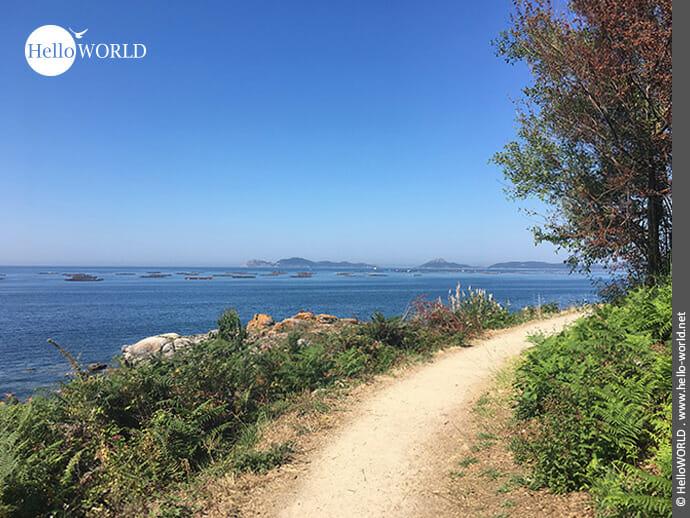 In der Ferne: Muschelaufzucht in der Ria de Vigo