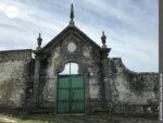 Verschnörkeltes Mauerwerk auf dem Camino Portugues Rundwanderweg