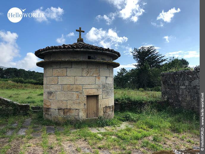 Das Kreuz als Spitze des Turms