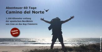 Hier sieht man einen Mann am Strand, das Titelbild für die Reiseberichte Camino del Norte