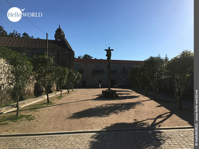 Vorplatz des Mosteiro de Armenteira