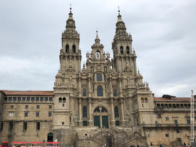 Auf diesem Bild sieht man die Kathedrale von Santiago de Compostela, das Ziel des Camino Frances.