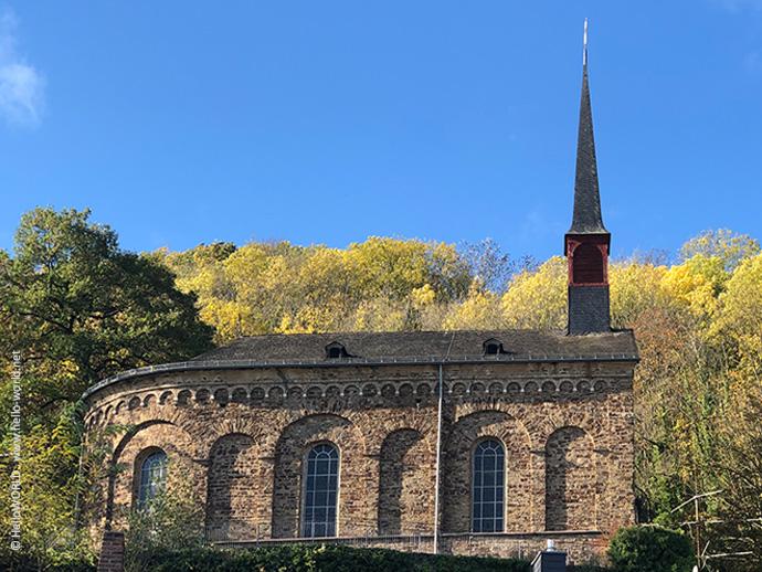 Hier sieht man die Pfarrkirche St. Menas, den offiziellen Startpunkt des Mosel-Camino.