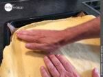 Den Boden der Empanada vorbereiten