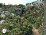 Bergauf und Bergab auf sandigen Pfaden
