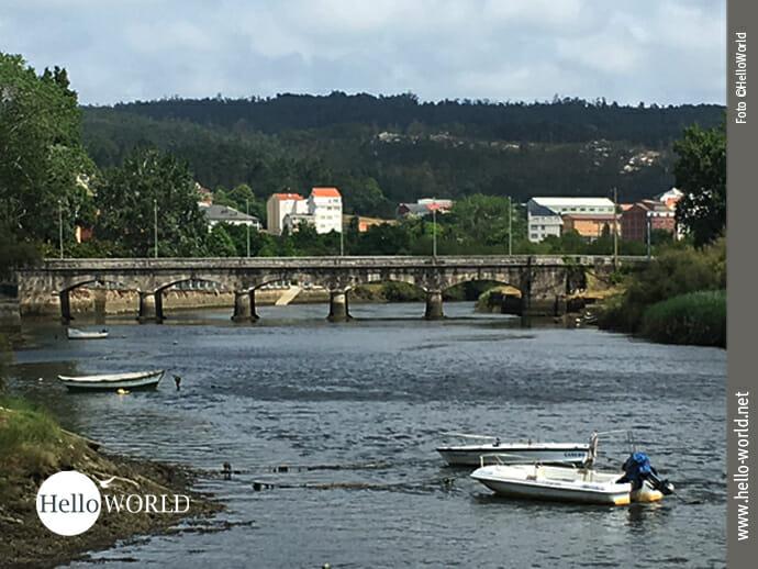 Flußüberquerung an der Nordküste Spaniens bei Ponteceso