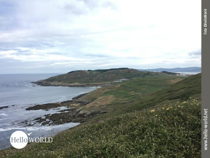 Grün und hügelig: Panorama an der Costa da Morte