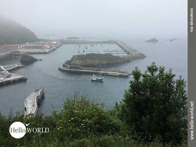 Blick auf den Hafen von Cudillero