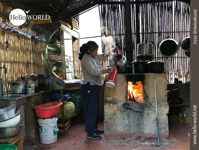Schlicht: Küche im peruanischen Dorfhaushalt