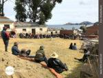 Bolivianische Dorfversammlung am Titicacasee