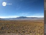Die rote Lagune Boliviens aus der Ferne