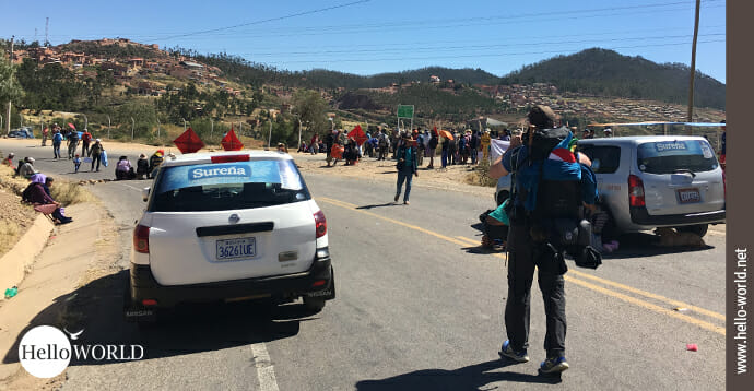 Das Bild zeigt den Start in das Abenteuer 100 Tage Südamerika, bei dem es durch ein Streikgebiet in Bolivien geht.
