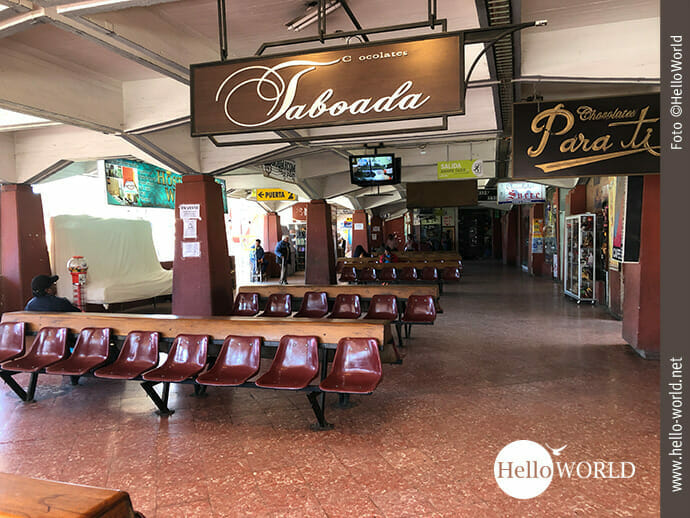 Wartesaal im Terminal de Buses in Sucre