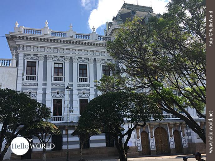 Imposante Kolonialgebäude prägen die Innenstadt Sucres