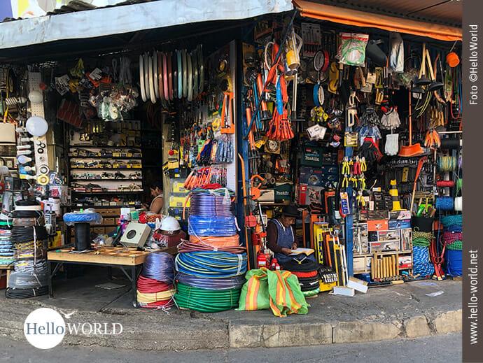 Bauhausartikel auf dem Mercado Campesino
