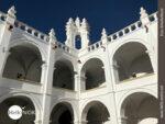 Weiße Mauern, blauer Himmel: die Kennzeichen Sucres