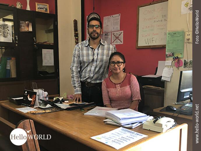 Tolles Team: Nayra und Pepe, der Inhaber der Bolivian Spanish School.