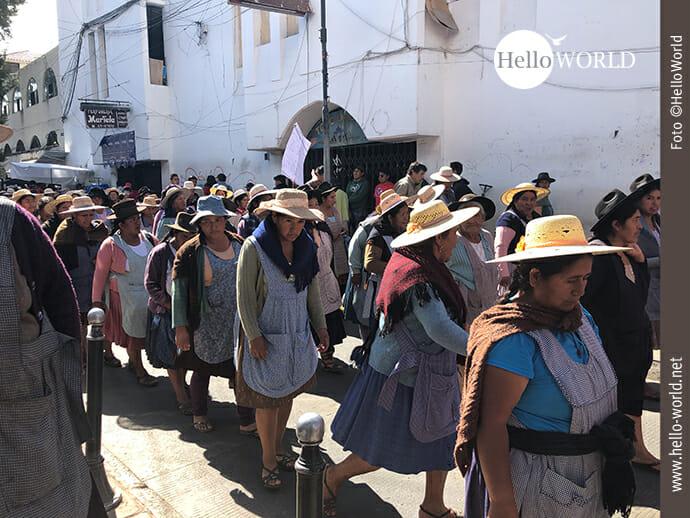 Frauenpower auf Sucres Straßen.