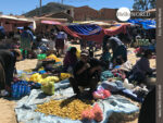 """Extrem einfach: """"Marktstände"""" am Rande von Tarabuco"""