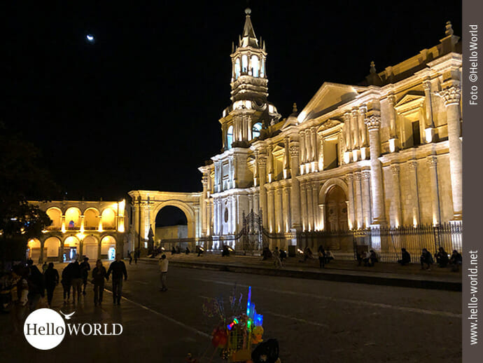 Basilica Cathedral of Arequipa bei Nacht