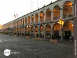 Arkadengänge an Arequipas Plaza de Armas